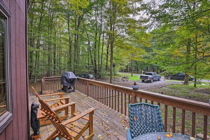 Pocono Lake w/Deck - Walk to Lake & Pool Access!