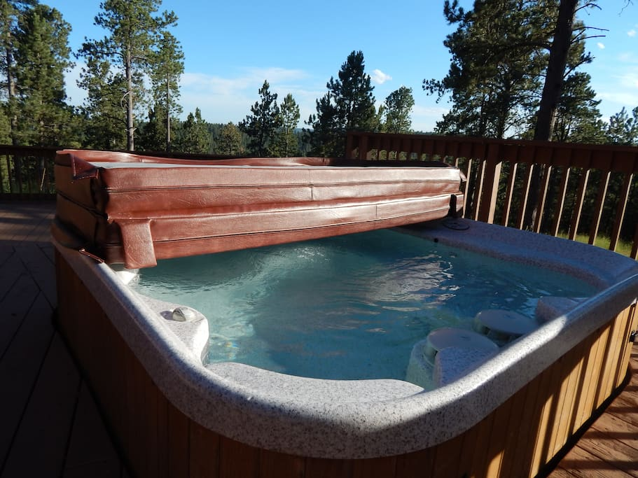 Hot tub - perfect for star gazing.