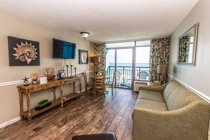 Over-Sized Oceanfront 1 Bedroom Suite~Landmark 640
