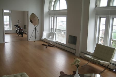 4br Penthouse Apt Steps From Yale! - New Haven - Apartment