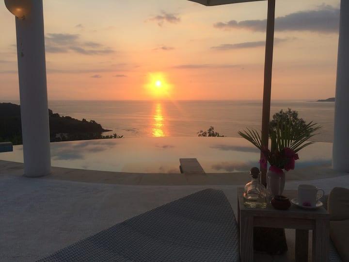 FreeDOME 2-3 Bedroom Villa in Mentigi Bay Lombok