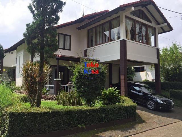 Villa Rose @ Villa Istana Bunga Parongpong Bandung - Parongpong - Villa