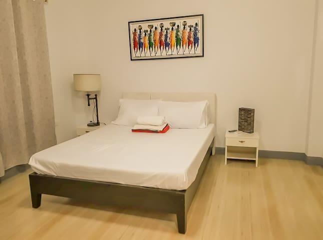 Room5 Near Tagaytay Only ₱1000 /Guest w/ Breakfast