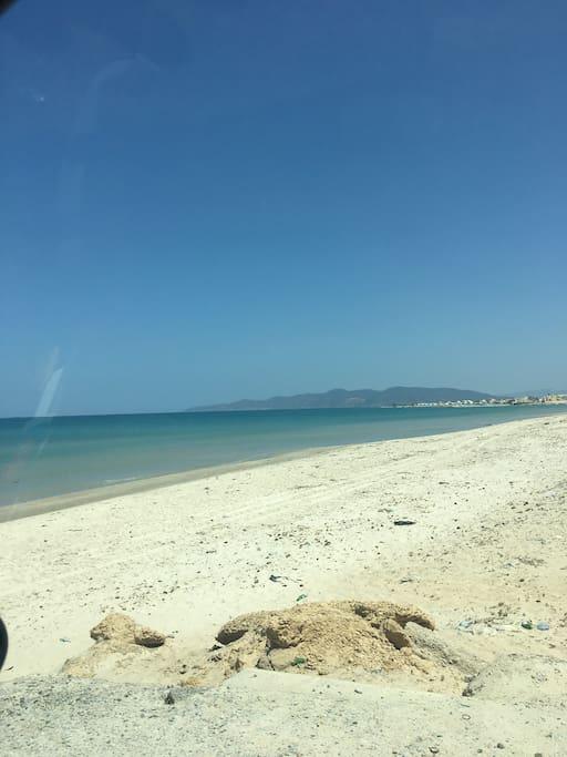 Magnifique plage de Sidi jehmi soliman a 500m