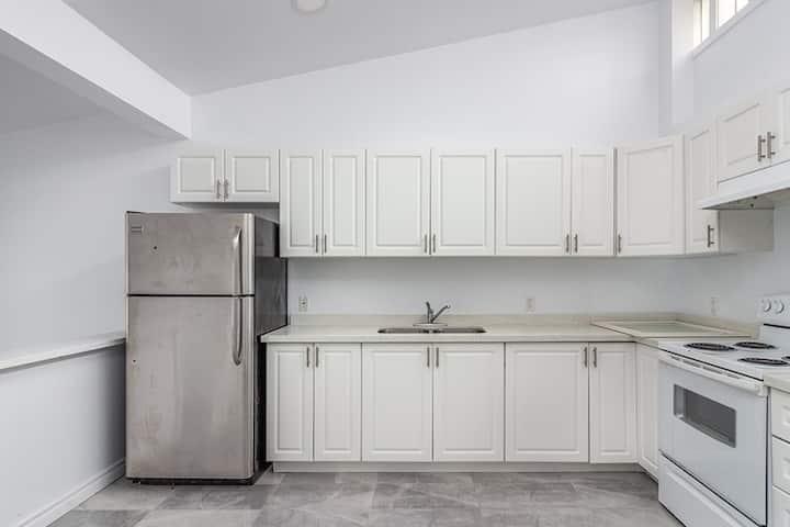 Lakeshore Humber Apartment (4)