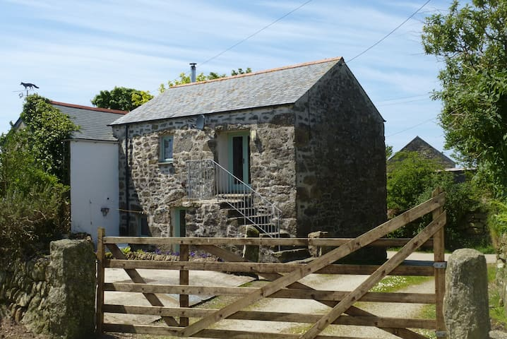 Ancient granite hay barn just 4 miles from the sea