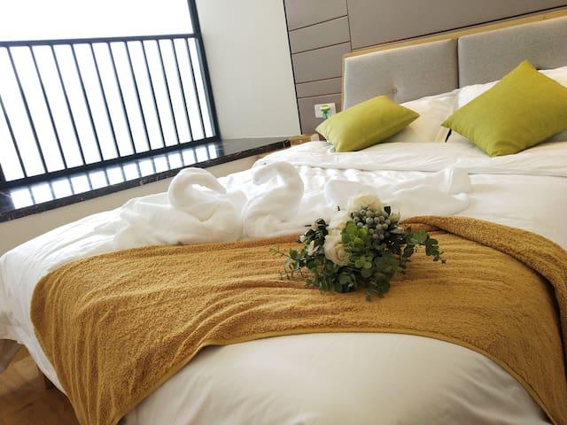 温馨的卧室松软的床垫会让你一解旅途疲劳