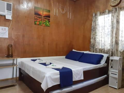 LUCENA's Homestay Aircon Room#1 for 2 to 3 guests
