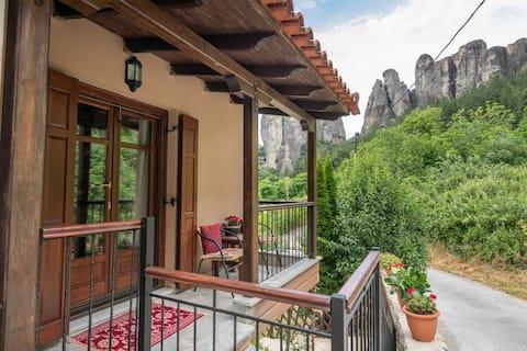 Meteora Rocky Apartment