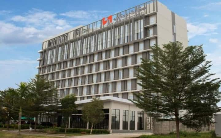 Deluxe Room in Cikarang by Swiss-Belinn