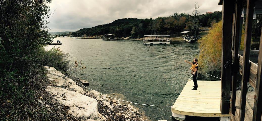 """The Lake Mahal "" on Lake Travis - Leander - Hus"