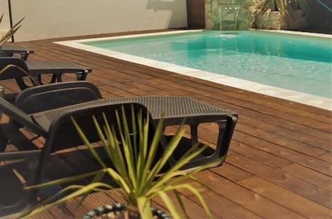 Apartemen Silvercoast - Kolam renang bel +Jacuzzi
