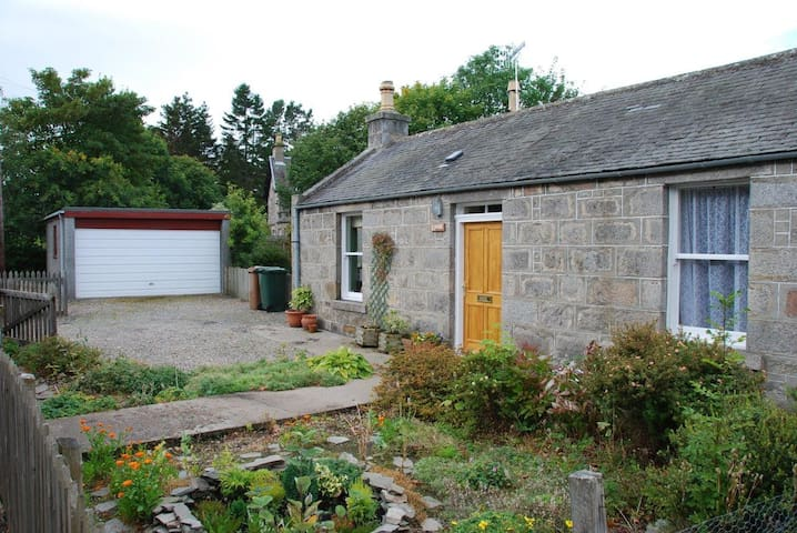 No.1 Railway Cottage