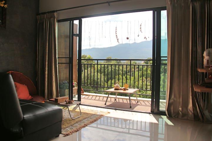 Artistic Mountain Apartment (3rooms)