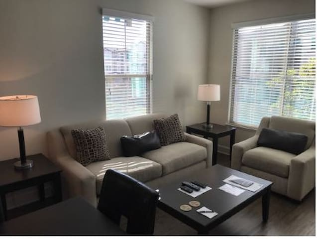 Furnished 1 bedroom Near Camarillo Outlets