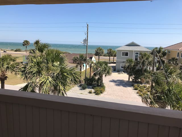Room by the beach! - Flagler Beach