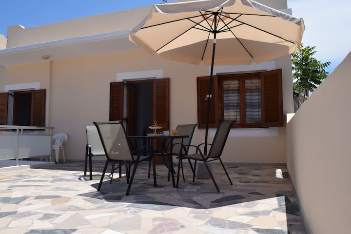 Large,heart of village,70m to beach