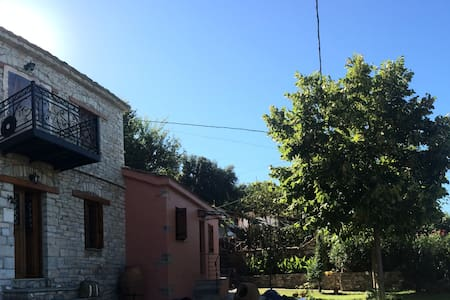 Traditional Villa with sea view - Volos - Casa