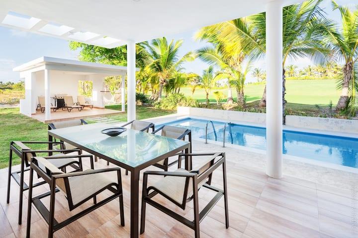 Beautiful Villa with Swimming Pool & Jacuzzi
