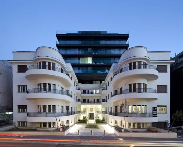 Luxury 2 bedroom Bauhaus 50m to sea - Tel Aviv - Flat