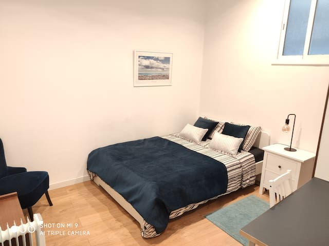 MODERN DOUBLE ROOM with PRIVATE BATHROOM