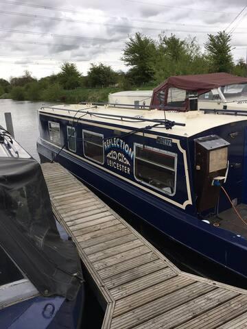 2 berth moored narrow boat