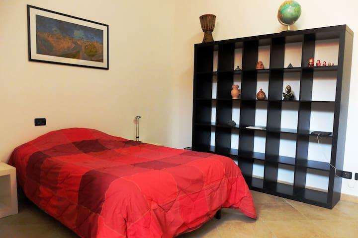 Ampia stanza, immersa nel verde - Castel Gandolfo - Castel Gandolfo - Casa