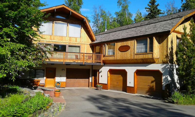 Alaska Chalet B&B - 800 sqft 2 bdrm Suite Retreat
