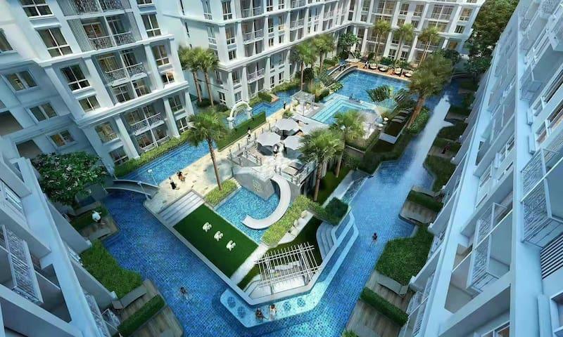 Oriental Garden Water System Apartment