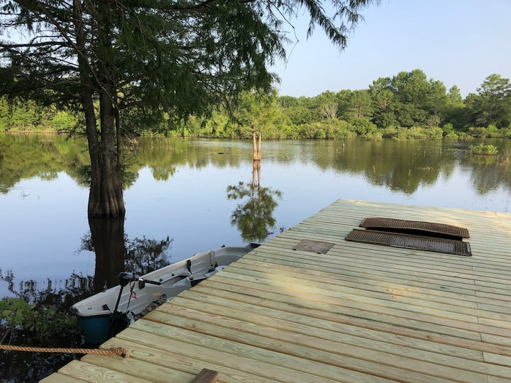 Henry's Retro Fishing Camp