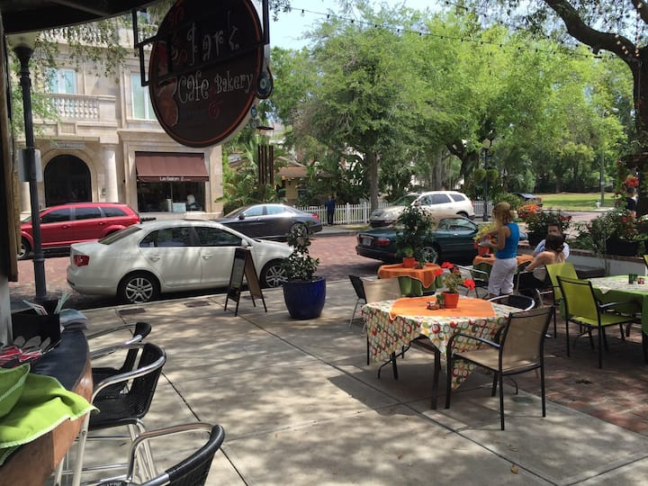 A Rare Jewel in the heart of Winter park. Can walk
