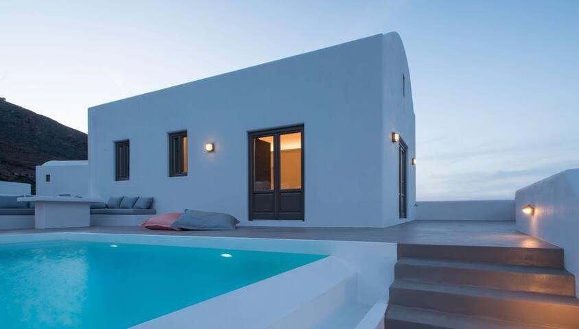 GRAZSAN401-3 One Bedroom Villa with infinity pool