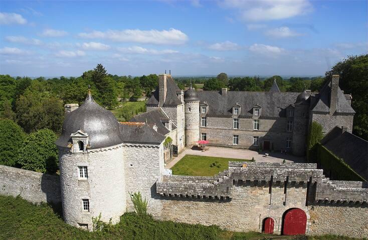 Erholsamer Urlaub im Schloss-historischerTurm,