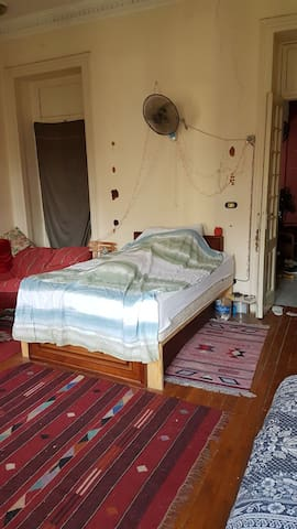 Spacious room in Mounira