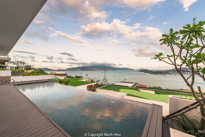 3 storey beach front villa - super Vip- high class