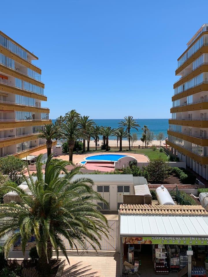 Appartement 4 couchages Vue mer, à 50m de la plage