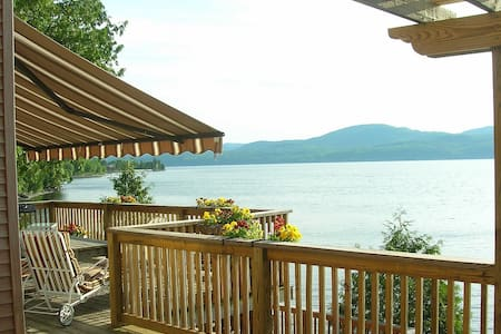 Breathtaking Lake Champlain Home- beach- dock mtns - Addison
