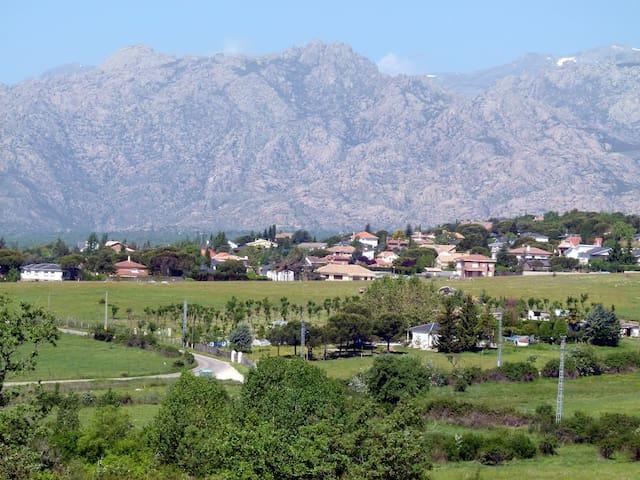 Siéntete en casa en el PN Sierra de Guadarrama - Guadalix de la Sierra - Hus