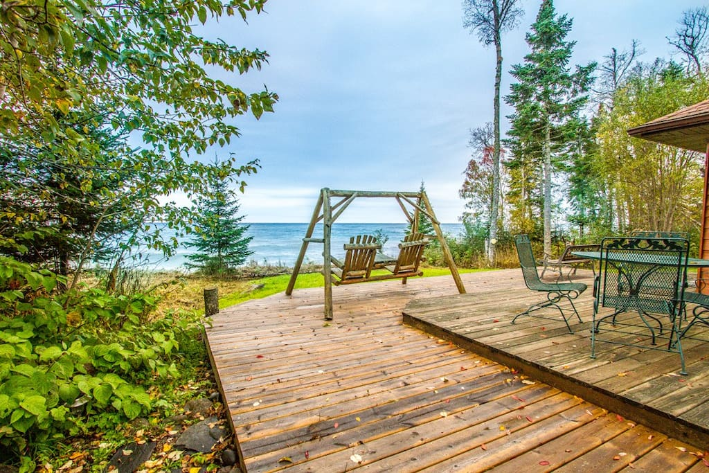 Located on a private 450 stretch of Lake Superior Shoreline, Bay Breeze is quiet and private.