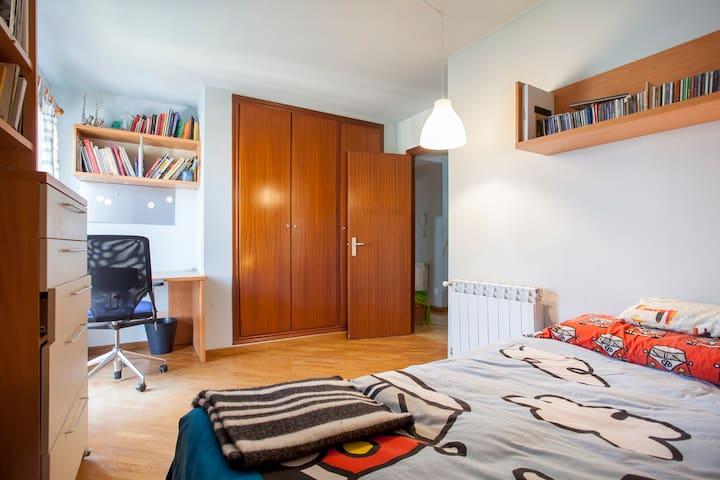 Bedroom 2 - Habitación 2