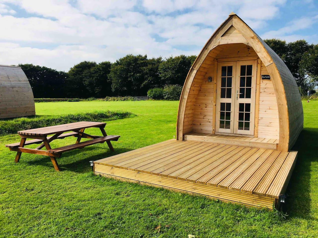 Borlotti Glamping cabin/pod
