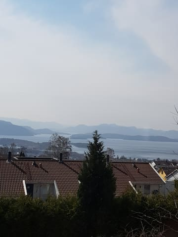 Koselig leilighet på Jørpeland nære Preikestolen
