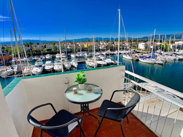 Port Grec : bonito apartamento (magníficas vistas)