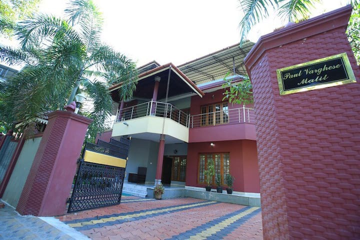 Edappally Home - Private Home Stay