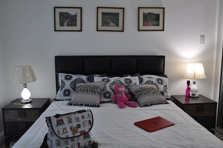 Vacation In Azure Residences(resort within a city) - Parañaque - Condominium