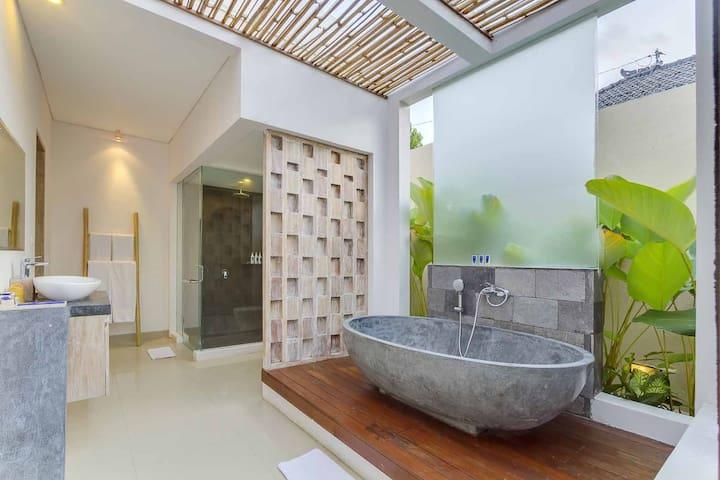 1BR Private Pool Vila/Relax/Romantic,Seminyak-Bali