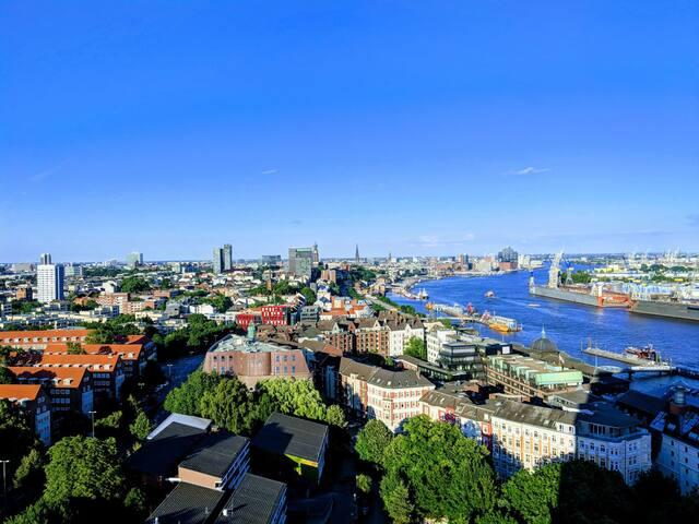 Gigantischer Ausblick im Herzen Hamburgs