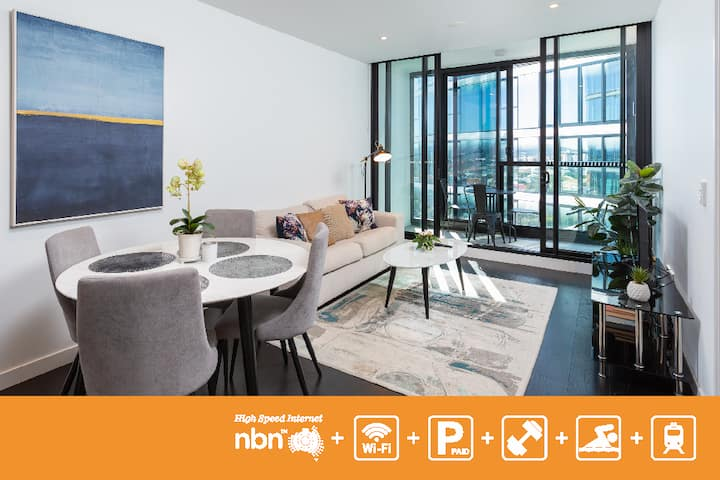 Modern Living Apartment with Infinity Pool FVW3Q1 - Long Term Available via Inquiry
