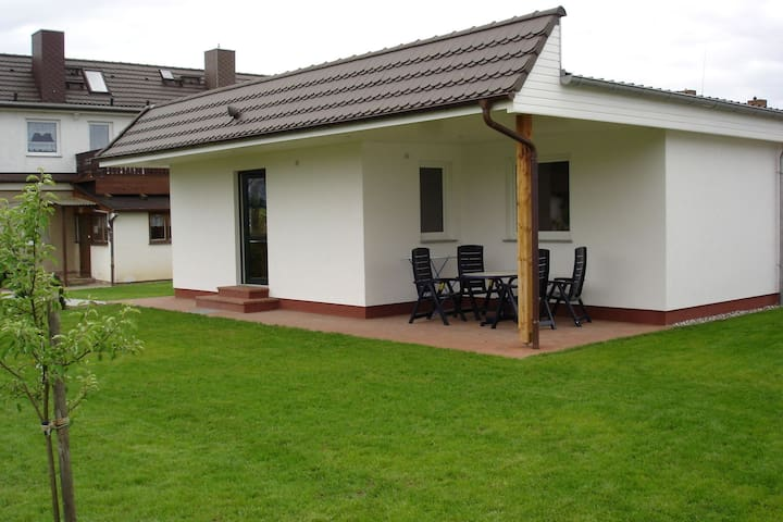 Modern and comfortably furnished holiday home near the beach