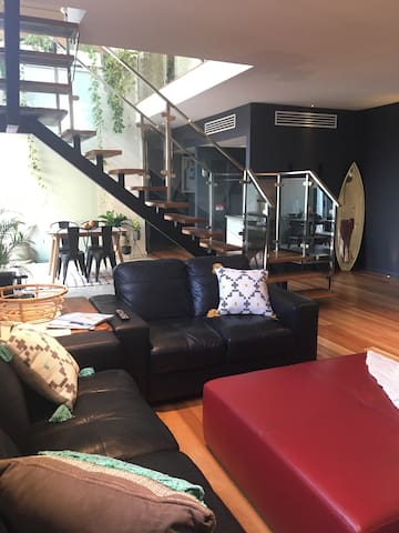 "Merewether - Modern with relaxed vibe Room ""Z"" - Merewether - Rumah"